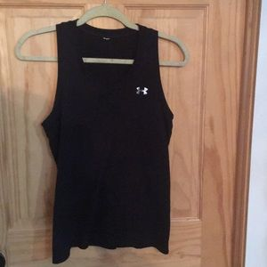 Like new Under Armour black v-neck soft tank S/M